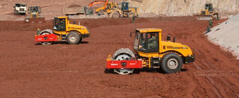 YZ26E与YZK20C全液压单钢轮压路机工建云南糯扎渡水电大坝施工项目