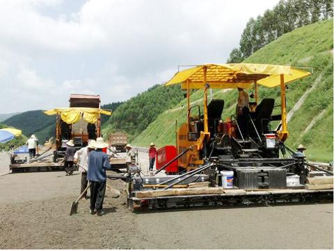 10台三一平地机在广贺高速施工项目