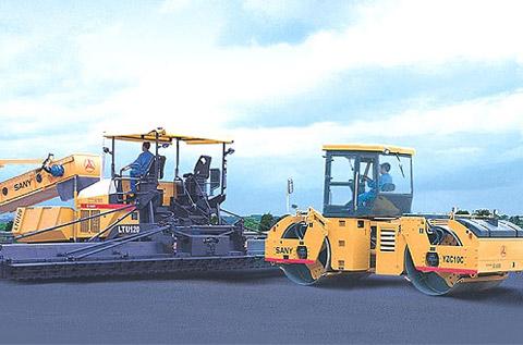三一YZC12、YL25A压路机共建北京六环施工项目