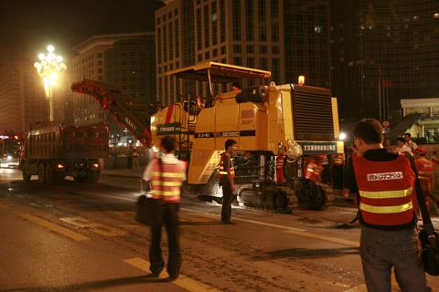 三一2000型铣刨机在长安街施工施工项目