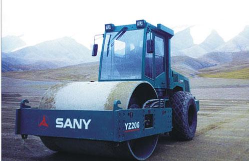 三一高原型单钢轮压路机助力青藏铁路修建施工项目