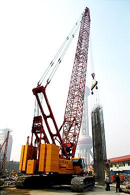 三一(SCC2500)液压履带起重机参与陆家嘴新鸿基地产项目施工施工项目