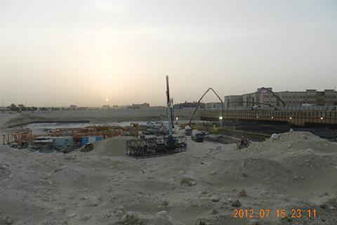 STC750 起重机在Dammam参与海水淡化处理项目施工项目