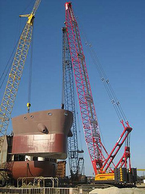 三一(SCC2500)履带起重机负责美国密西西比州工程施工施工项目