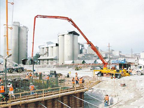 三一泵车浇筑阿肯色州发电站施工项目