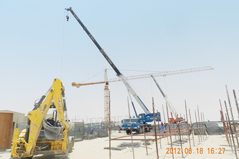 STC750型汽车起重机在HAFJI 港口基建项目施工项目