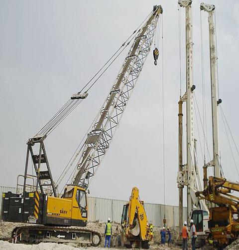 三一(SCC500E)参与阿联酋阿布扎比人工岛工程施工(33m主臂工况)施工项目