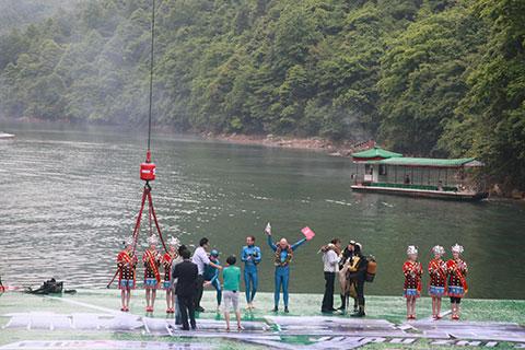 三一赞助湖南经视活动-参与拍摄《极度窒息》与《世纪大秋千》施工项目