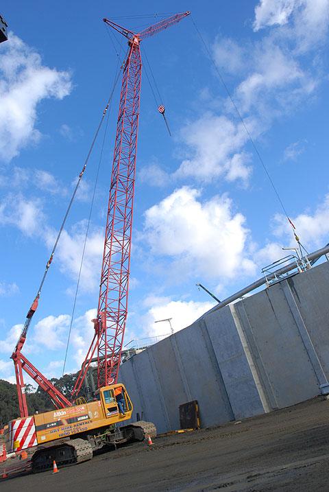 三一(SCC800C)履带起重机参加澳大利亚维多利亚吉普斯兰水厂建设民用水库施工项目