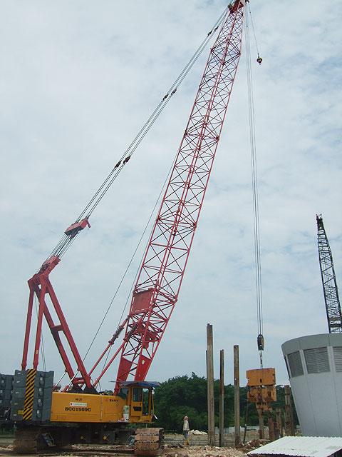 三一(SCC1500C)履带起重机参与新加坡加冷巴耶利峇隧道工程建设施工项目