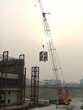 三一(SCC1500)履带起重机参与北京五棵松奥运场馆建设施工项目
