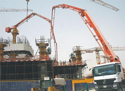 三一品质再现阿联酋商务广场施工项目