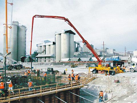 三一泵车参与美国阿肯色州发电站工程建设施工项目