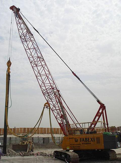三一(SCC500D)履带起重机助力阿联酋杰布拉里楼房建设(使用25m主臂工况)施工项目