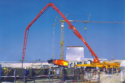 三一设备承建世界第一高楼——阿联酋迪拜塔工程施工项目