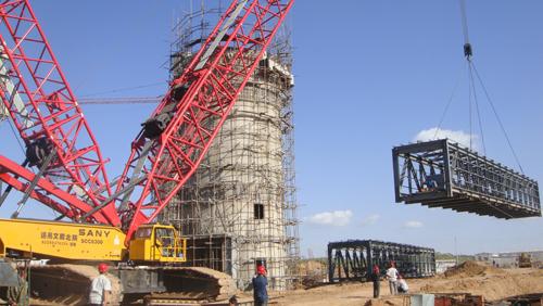三一(SCC6300)履带起重机参与神木县富油化工厂设备建设安装施工项目