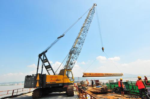 三一(SCC500)型履带起重机参与厦漳跨海大桥工程施工项目