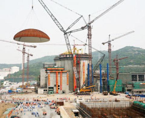 三一(SCC10000)参与秦山核电站二期工程施工项目