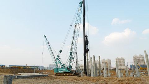 三一(SCC1000C)履带起重机大连海军家属楼基地项目施工施工项目