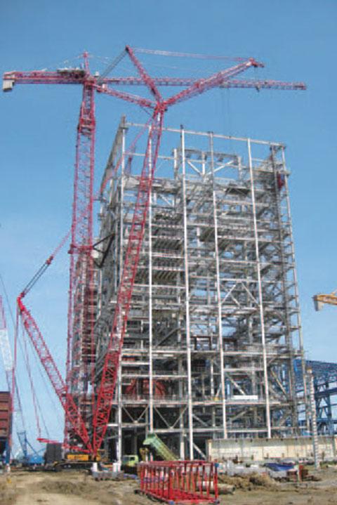 最大吨位SCC4000起重机在印尼公主港燃煤电厂施工施工项目