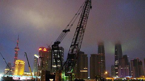 三一(SCC1500)履带起重机参与上海外滩观光停车场工程施工施工项目