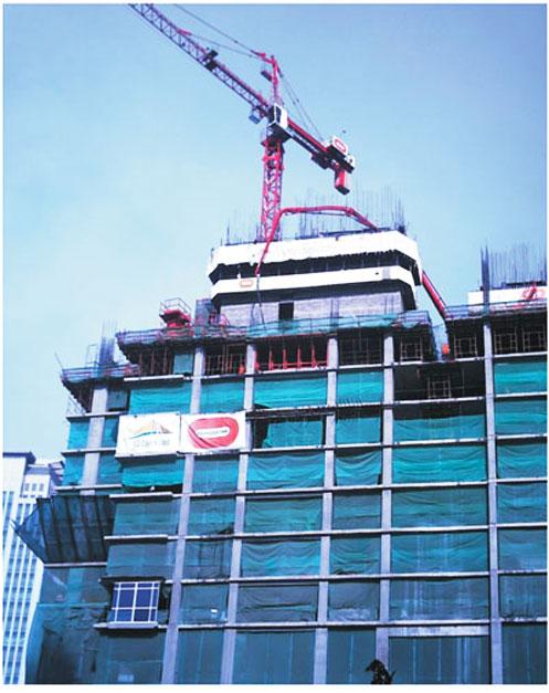 HGR33B楼面内爬式布料杆在印度孟买*一高楼施工案例*一楼施工项目