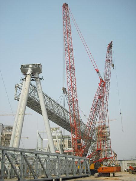 三一(SCC7500)参与山东莱芜钢铁厂工程施工项目