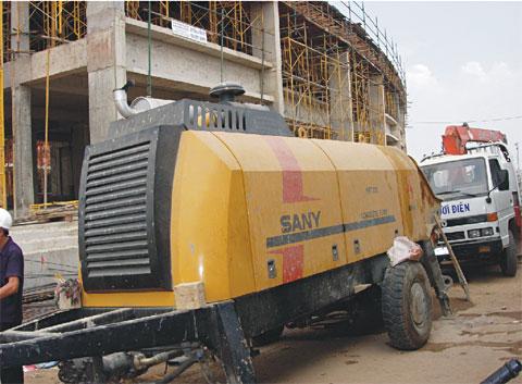 三一HBT80C-1818DⅢ型拖泵参与越南河西省河西区工程建设施工项目