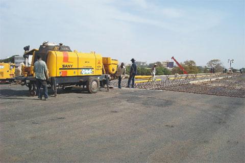 三一HBT60A -1406DIII拖泵塞内加尔达喀尔高速公路工程施工项目