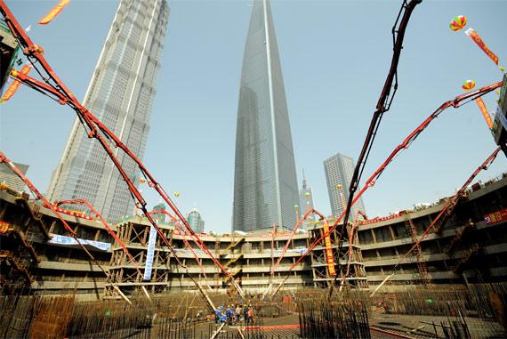 """""""中国泵王""""参与上海中心大厦底板浇注施工项目"""