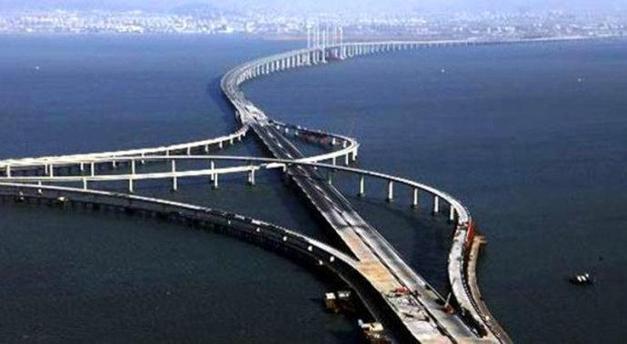 三一拖泵1000米超远距离泵送——青岛海湾大桥工程施工项目