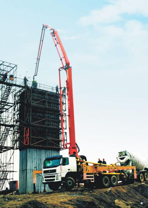 三一泵车参与武汉天兴洲大桥泵车施工施工项目