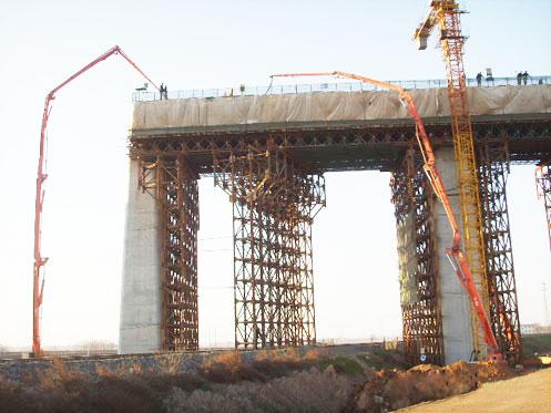 HGY18Ⅱ移动式布料杆在东海大桥施工案例施工项目