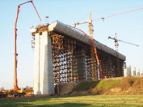 三一拖泵征服世界第一大跨径管砼中承式拱桥——巫山长江大桥工程施工项目