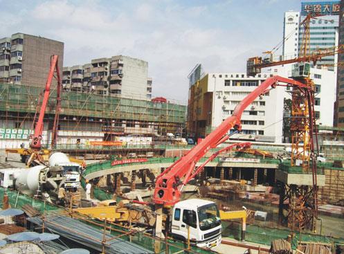 三一大排量泵车参建红豆国际广场工程施工项目