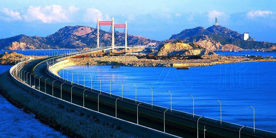 三一拖泵在东海大桥蔚为壮观的施工现场施工项目