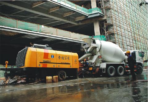 无插件直播泵车擎起江苏第一高楼——南京紫峰大厦工程施工项目
