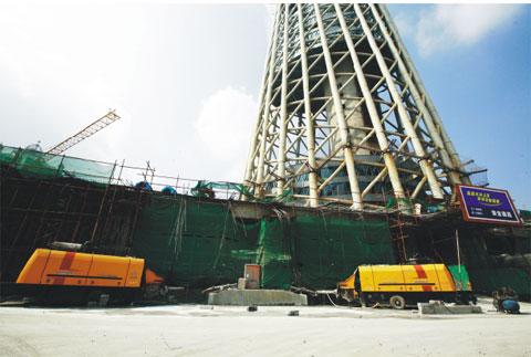 三一泵车扬威610米世界*一高塔施工项目