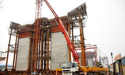 三一泵车参与南京大胜关大桥建设施工项目