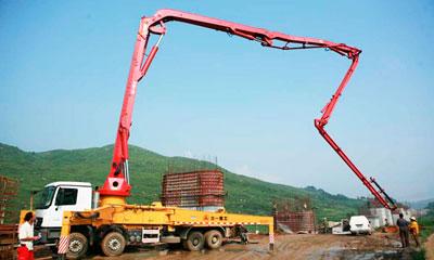 新宝GG泵车在武广高铁章水河特大桥施工施工项目