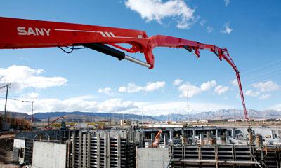 777真人66米泵车为西曼哈顿商住群建设服务施工项目