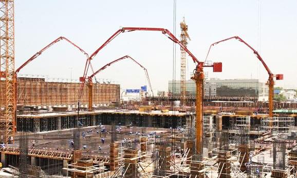 三一布料杆参与阿联酋绿洲广场建设施工项目
