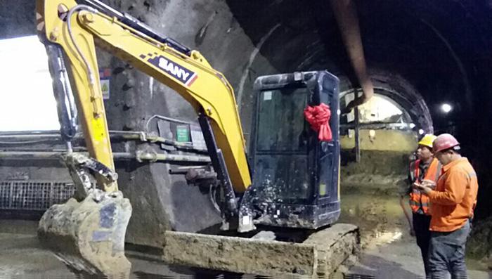 SY35U成地铁施工新宠,无尾灵活施工高效!