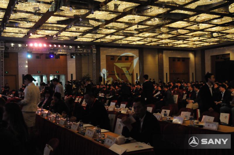 三一年度峰会众多来宾纷纷入场