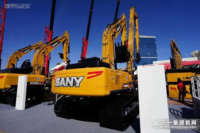 三一SY215CLC挖掘机
