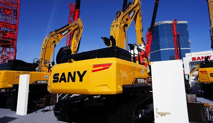 拉展实拍 三一SY265C挖掘机