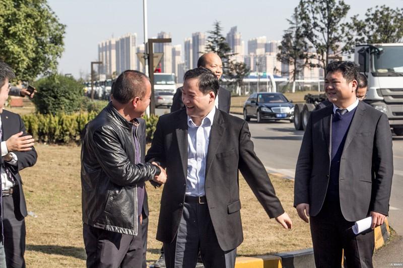 三一集团董事梁林河出席发车仪式