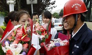 红网:三一重工赴日救援工程师归国(图)