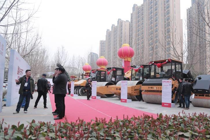 三一路面机械春季巡展郑州站成交设备近4千万