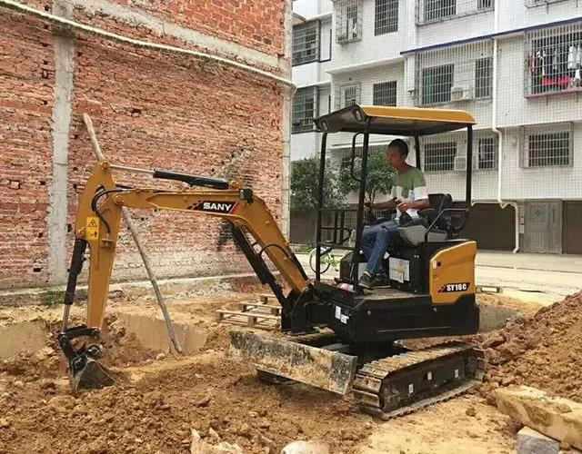 三一微挖:精灵战士走街串巷 市政施工大显身手
